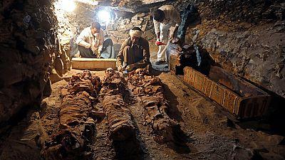 Des archéologues égyptiens découvrent une momie à Louxor