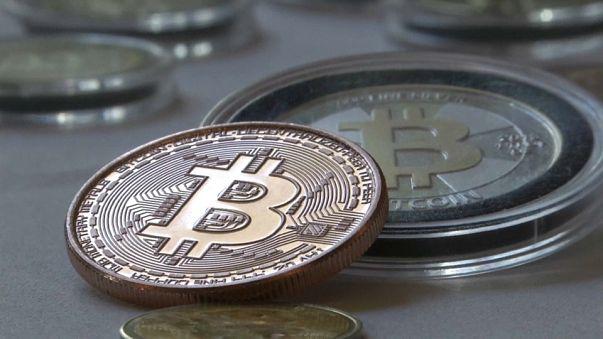 Bitcoin estreia-se no mercado de futuros com subida em flecha