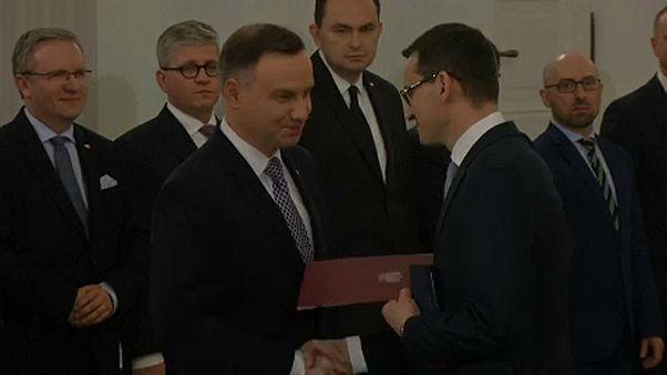 Letette az esküt az új lengyel kormány