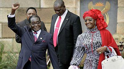Zimbabwe : Mugabe s'envole avec sa famille pour Singapour