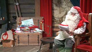 Santa sends his Christmas wishes