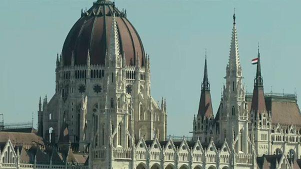 A magyar Országgyűlés elveti a kvótákat