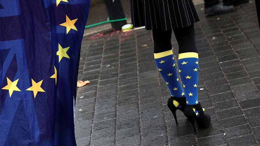 البرلمان الأوروبي يؤيد بدء المرحلة التالية من مفاوضات خروج بريطانيا