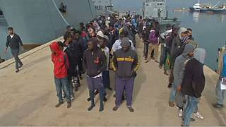 More than 250 migrants trying to reach Italy rescued