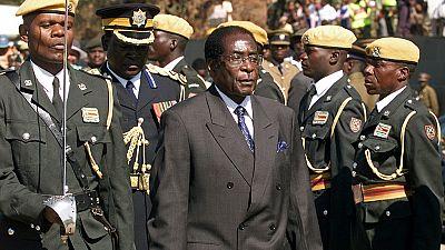 Zimbabwe : loin d'Harare, la démission de Mugabe reste un mythe