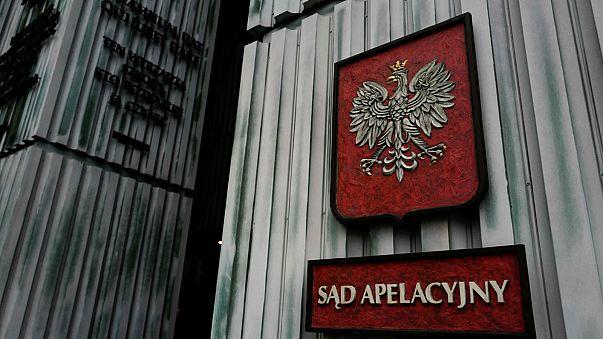 """""""Breves de Bruxelas"""": """"bomba"""" contra Polónia e reforma fiscal dos EUA"""