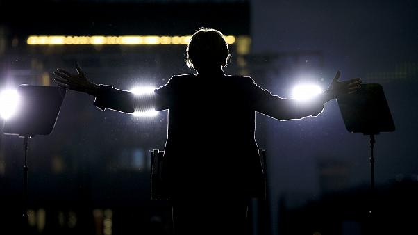 Image: Sen. Elizabeth Warren, D-Mass., speaks at a presidential campaign ra