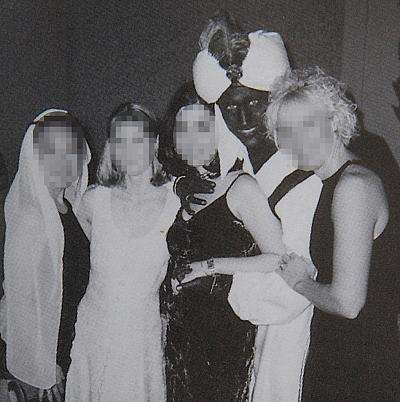 A 2001 photo shows that Canadian Prime Minister Justin Trudeau wore blackface as part of a costume.