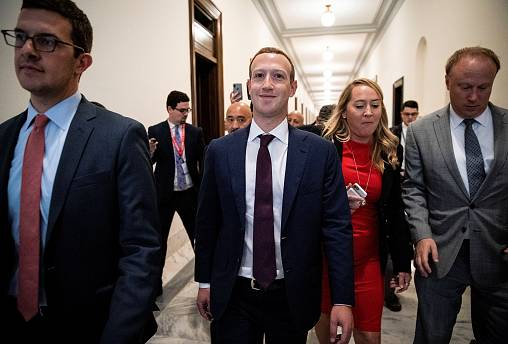 Image: Facebook Chief Executive Mark Zuckerberg meets with lawmakers to dis