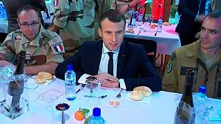 French president celebrates 'Christmas' with troops in Niger