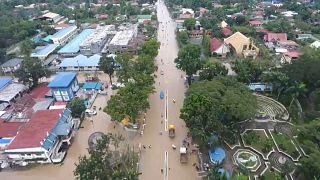 دو روز پس از طوفان «تمبین» در فیلیپین؛ عملیات امداد و نجات ادامه دارد