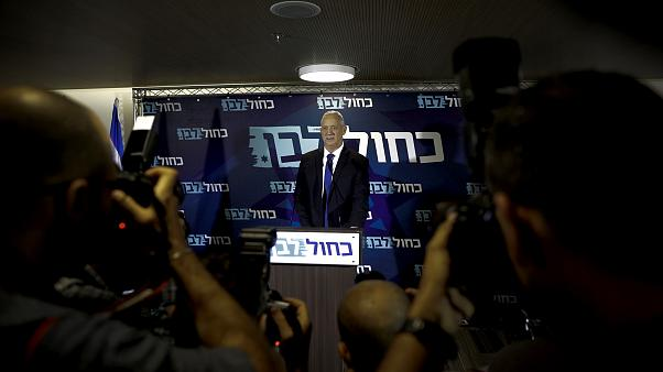 Image: Benny Gantz speaks at a press conference in Tel Aviv on Sept. 19, 20