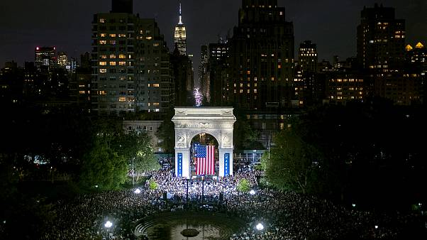 Image: Sen. Elizabeth Warren speaks at a presidential campaign rally in Was