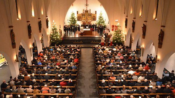 Weihnachten Kirche.Poschardtevangelium Shitstorm Gegen Die Kirche Zu Weihnachten