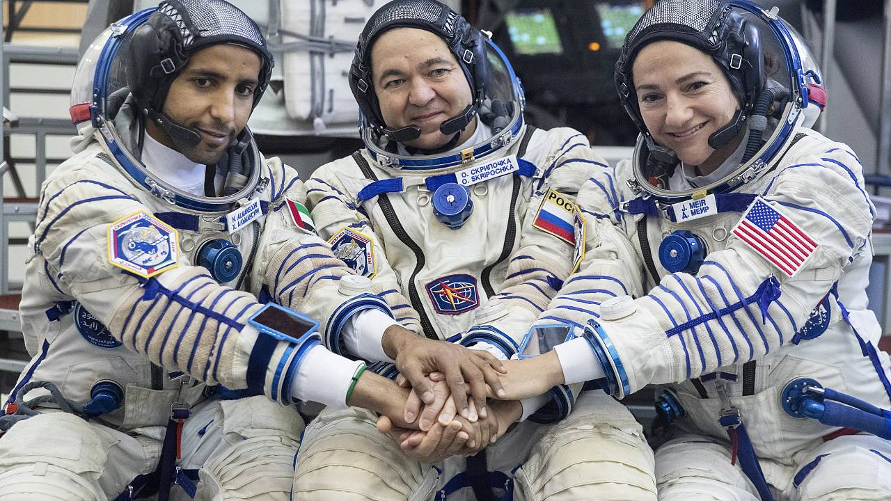 Image: Oleg Skripochka, Jessica Meir, Hazza Al Mansouri