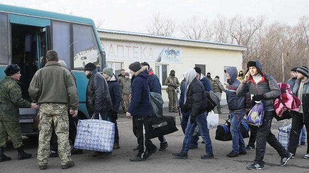 تبادل زندانیان میان دولت مرکزی و جداییطلبان اوکراین انجام شد