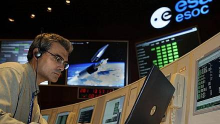 Russia regains contact with Angolan satelite