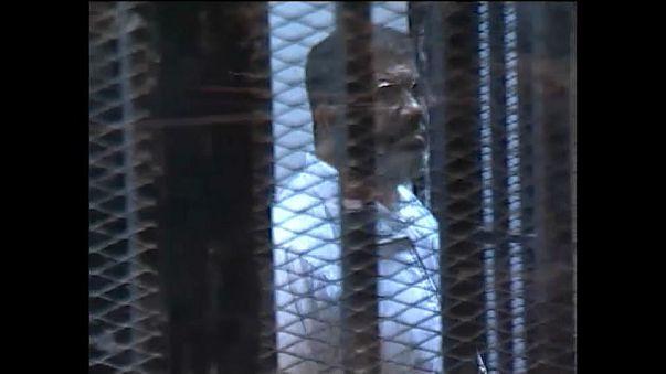 Экс-президет Египта получил три года тюрьмы
