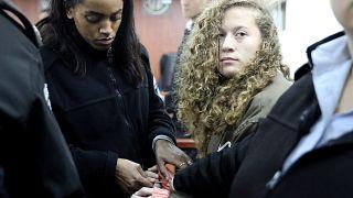 Schläge gegen Soldaten: Palästinenserin Ahed Tamimi (17) und ihre Mutter von Israel angeklagt