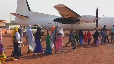 Sudanese refugees return home from camps in restive CAR