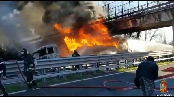 Tragédia egy olasz autópályán