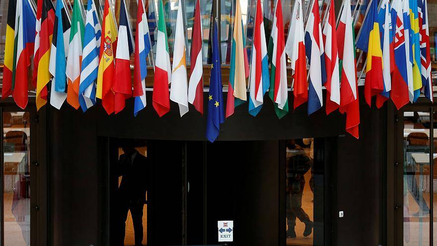 """""""هل ارتفاع حدة الخطاب الشعبوي سيضعف من مصداقية المؤسسات الأوروبية؟"""""""