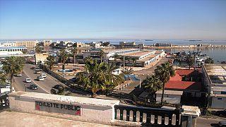 Algérie : des médecins internes réclament l'abrogation du service civil et militaire
