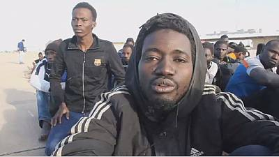 Près de 300 migrants secourus en mer — Libye