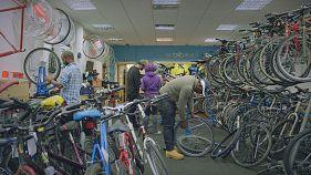Bicicletas restauradas para los refugiados de Londres