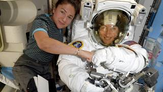 Image: Jessica Meir and Christina Koch on the International Space Station r