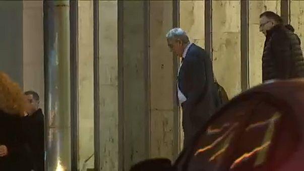 La démission du Premier ministre roumain suscite des réactions