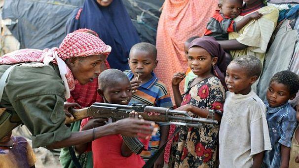Somalie : les enfants serviraient-ils d'impôt à payer aux shebabs ?