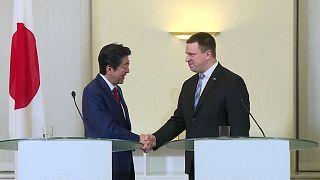 Japão fortalece ligações comerciais com o leste da Europa