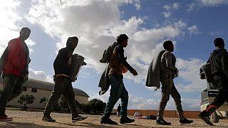 Libye : la reprise des combats menace l'évacuation des migrants et les élections