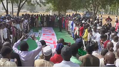 Nigerians protesters demand the release of Shi'ite leader