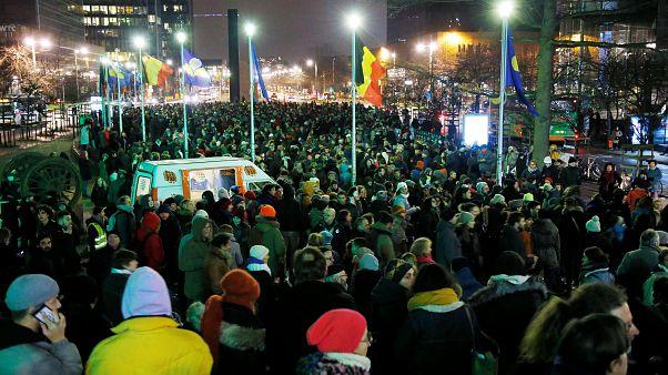 Belgium debates migrant search law