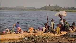 Des réfugiés centrafricains exilés de l'autre côté de la rivière au Congo