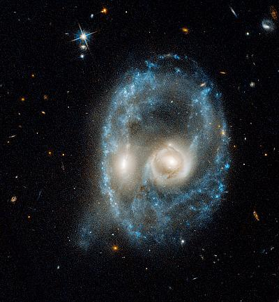 Spooky 'face' captured in cosmos by Hubble