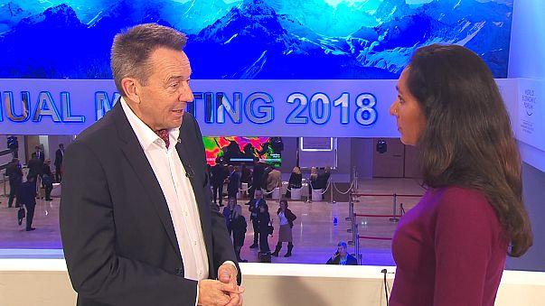"""O """"contributo"""" das organizações humanitárias para o Fórum de Davos"""