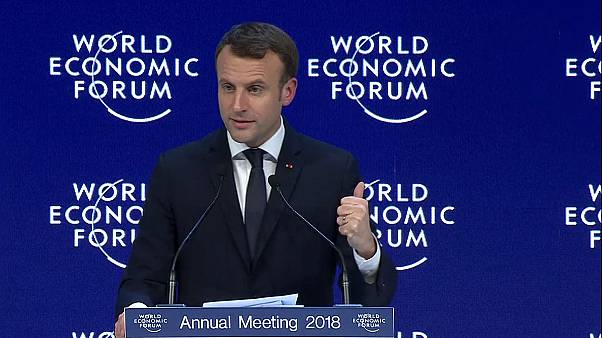 Davos Ekonomik Forumu'na Merkel ve Macron damgası
