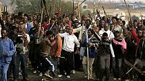 Police crack down on protesters in South Africa's Krugersdorp [No Comment]