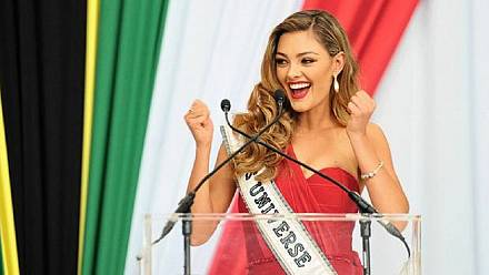 Miss Universe returns to South Africa with message of empowerment [No Comment]
