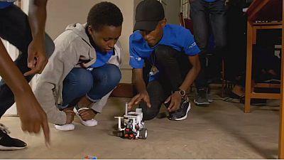 Rwanda : premier camp de formation en robotique