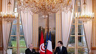 Le président français en Tunisie pour soutenir la fragile démocratie