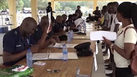 Ghanaian youth besieged police training schools to be recruited into the service [no comment]