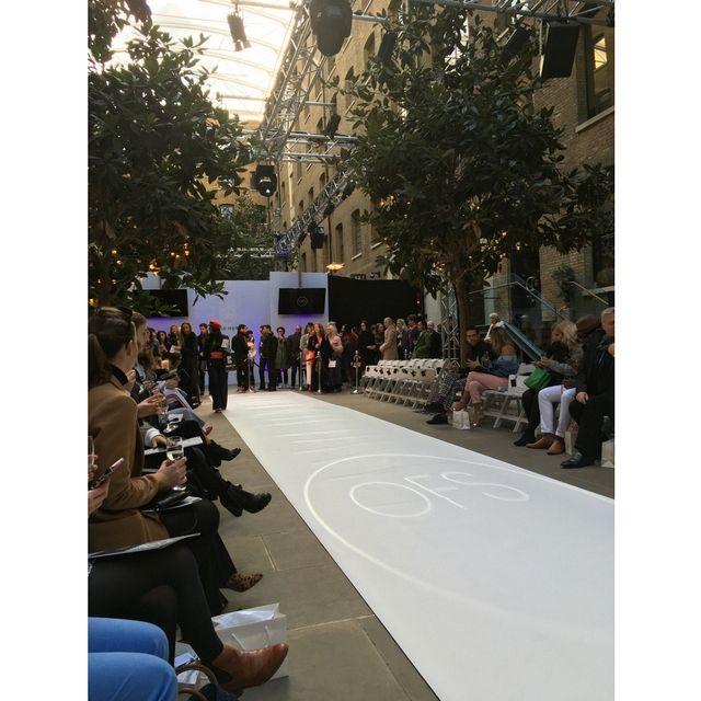 Astonishing Inside London Fashion Week A W 2018 Living Inzonedesignstudio Interior Chair Design Inzonedesignstudiocom