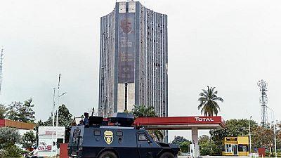 """RDC : un prêtre catholique """"enlevé"""" par des policiers à Kinshasa, selon des témoins"""