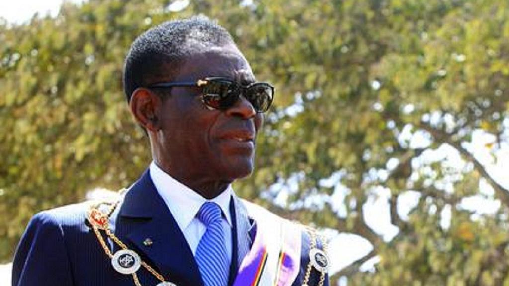 Equatorial Guinea : president dissolves government by decree