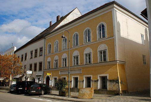 Image: The house in which Adolf Hitler was born in Braunau am Inn, Austria