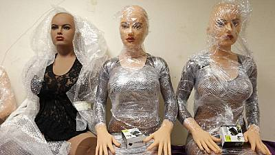 Zambie : les poupées sexuelles interdites